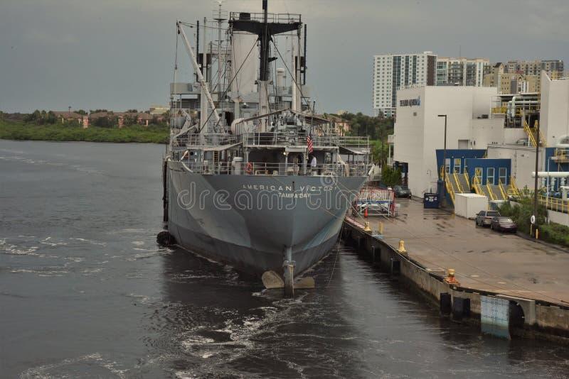 Tampa, Floryda Wrzesień 2018: - usa - Amerykański zwycięstwo żeglarzów pomnik i Muzealny statek zdjęcia stock