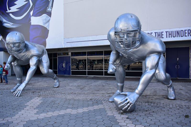 Tampa, la Floride - Etats-Unis - 7 janvier 2017 : Sculptures géantes en joueur photo libre de droits