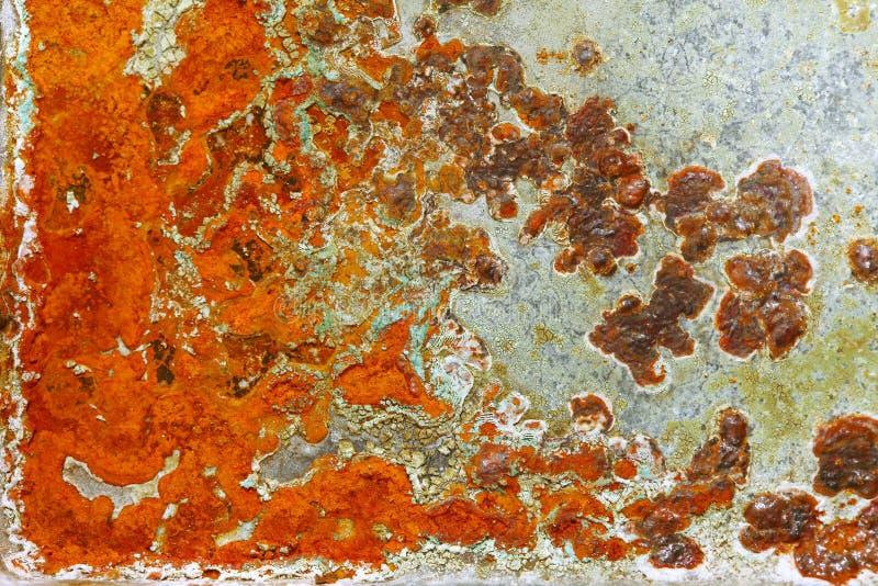 Tampa velha da superfície de metal com oxidação imagem de stock