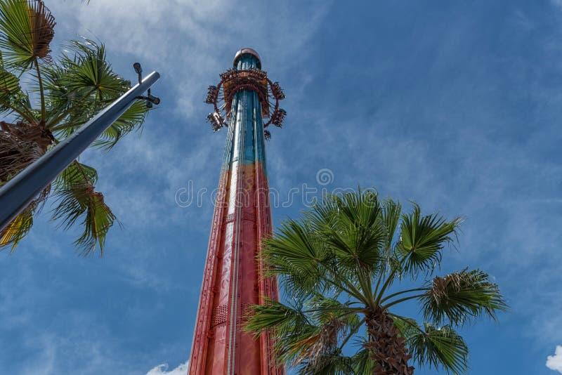 TAMPER, FLORIDA - MEI 05, 2015: Aantrekkelijkheden in Busch-Tuinen Tampa Bay florida Toren royalty-vrije stock fotografie