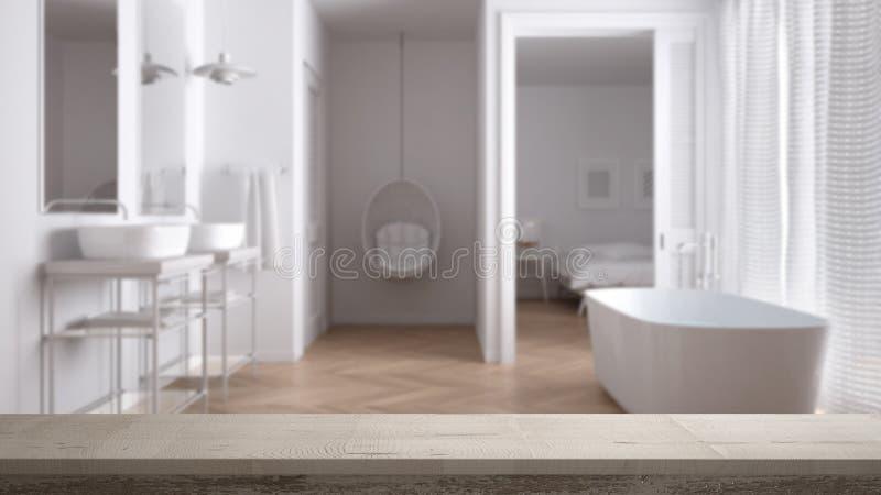 Tampo da mesa do vintage ou close up de madeira da prateleira, humor do zen, sobre o banheiro escandinavo minimalista borrado com fotos de stock