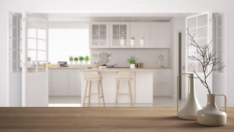 Tampo da mesa ou prateleira de madeira com os vasos modernos minimalistic sobre a cozinha clássica escandinava borrada, interior  fotos de stock royalty free