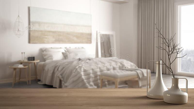 Tampo da mesa ou prateleira de madeira com os vasos modernos minimalistic sobre o quarto clássico minimalista borrado, interior b imagem de stock royalty free