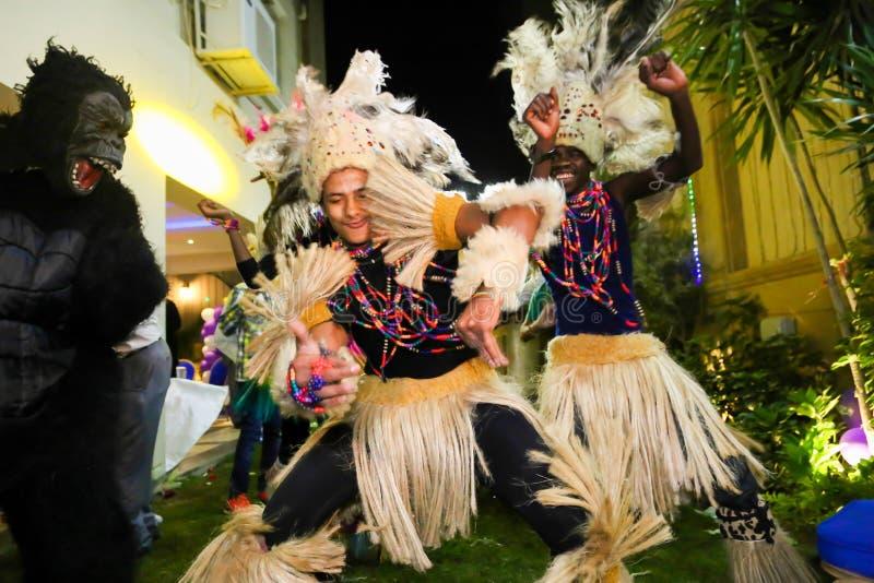 Download Tancerka afrykańskiej fotografia editorial. Obraz złożonej z artiste - 53791367