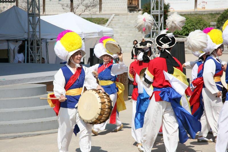 Tancerza koreańczyk, tradycyjny bęben obraz royalty free