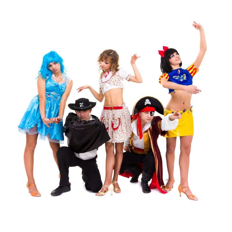 Tancerze w karnawałowych kostiumach zdjęcia stock