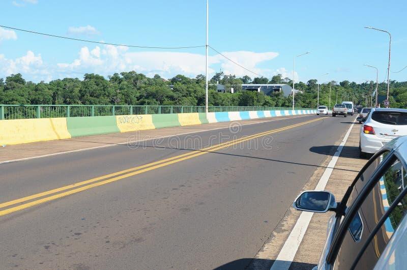 Tancredo Neves-brug die grenzen Brazilië en Argentinië royalty-vrije stock foto