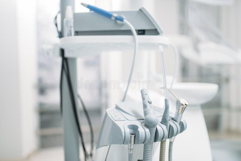 Tand- utrustning i tandläkekonstkliniken, stomatology royaltyfri fotografi