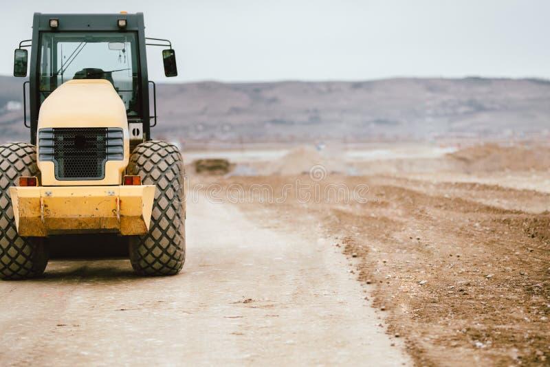 Tandemowa rolkowa wibracyjna przemysłowa maszyneria na budowy drogi miejscu zdjęcie royalty free