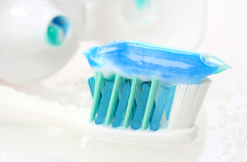 Tandenborstel met tandpasta royalty-vrije stock foto