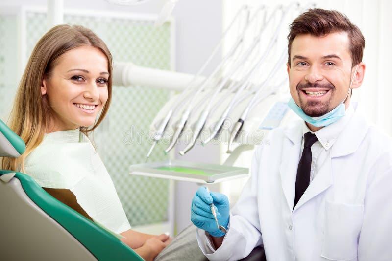 tandläkare royaltyfri bild
