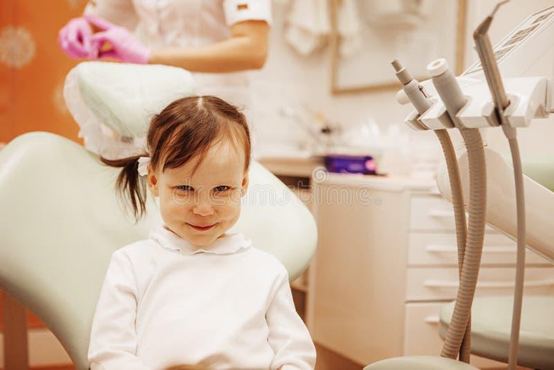 Tandläkekonst. royaltyfria bilder