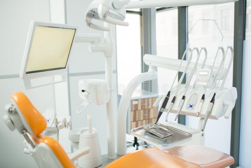 Tandläkekonstkliniker royaltyfri bild