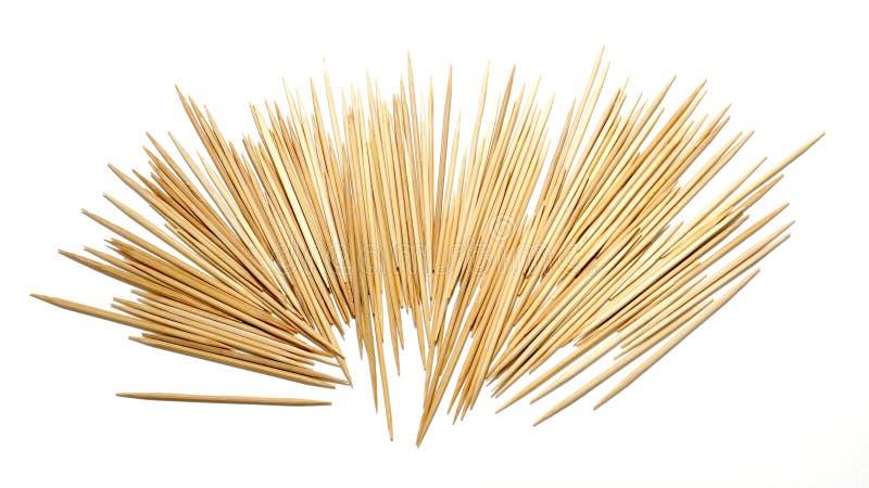 Tandpetare från bambuisolat arkivbild