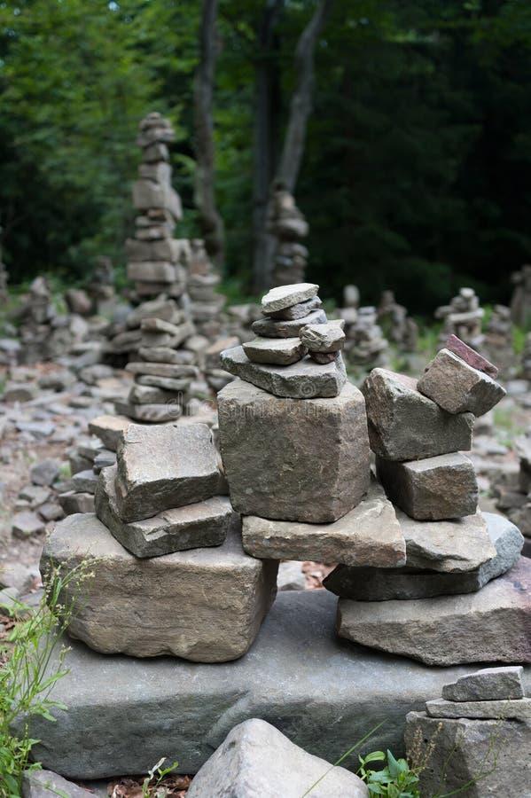 Tanecnice Насыпь утесов, камней и валунов стоковое фото