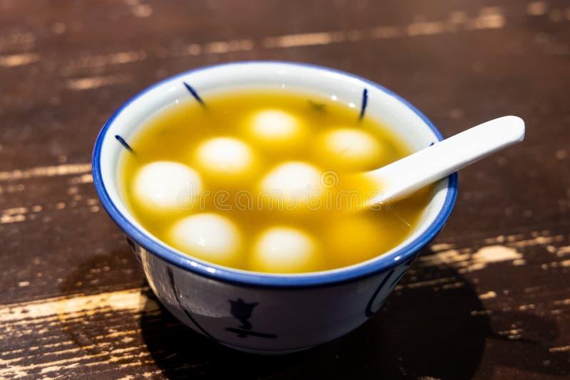 Tang Yuan- oder Klebreisballsüßspeiseingwersuppe lizenzfreies stockfoto