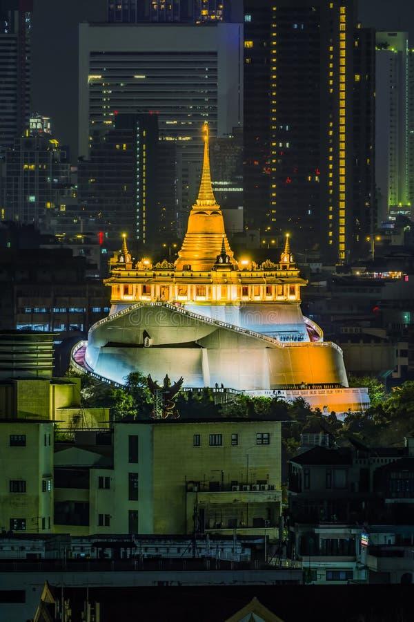 Tanga de Wat Saket Ratcha Wora Maha WihanPhu Khao, templo em Banguecoque, Tailândia imagem de stock royalty free