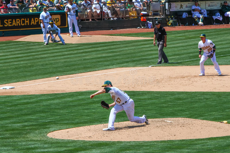 Tangage de Milone de Major League Baseball - d'Oakland images libres de droits