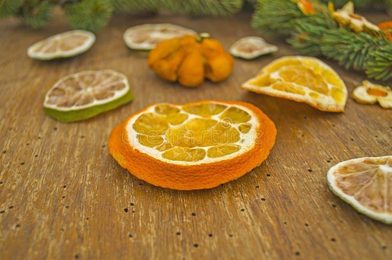 Tangerinas secadas, laranjas, cais fotografia de stock
