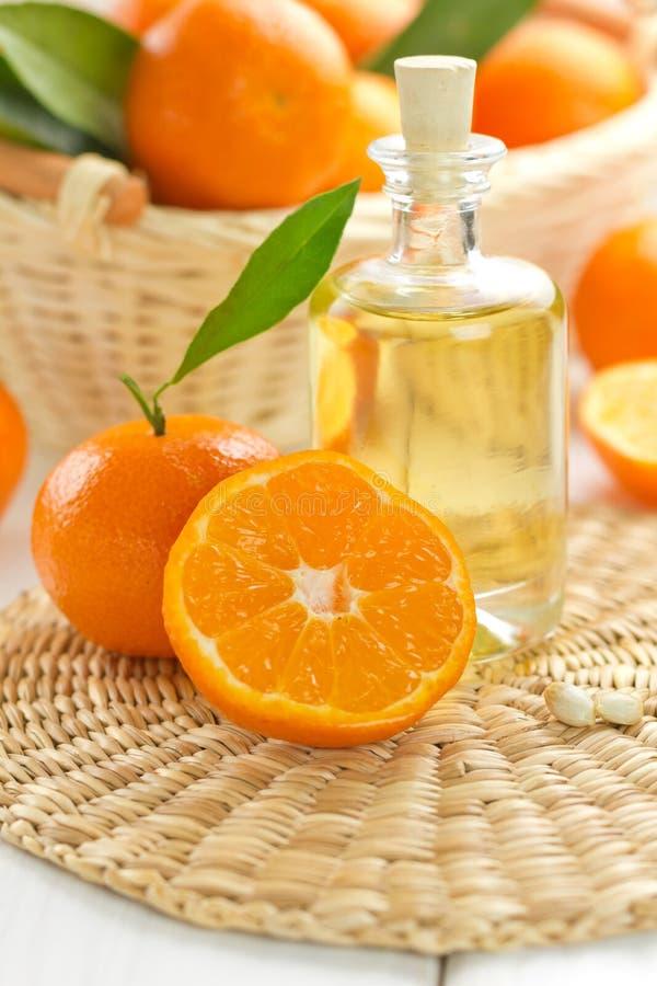 Tangerine-ätherisches Öl lizenzfreie stockfotos
