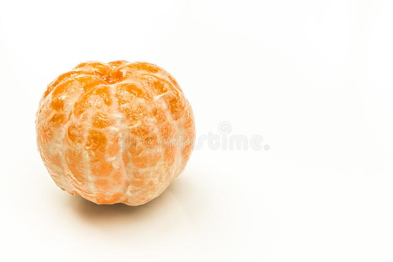 Tangerine που απομονώνεται στο άσπρο υπόβαθρο ελεύθερη απεικόνιση δικαιώματος
