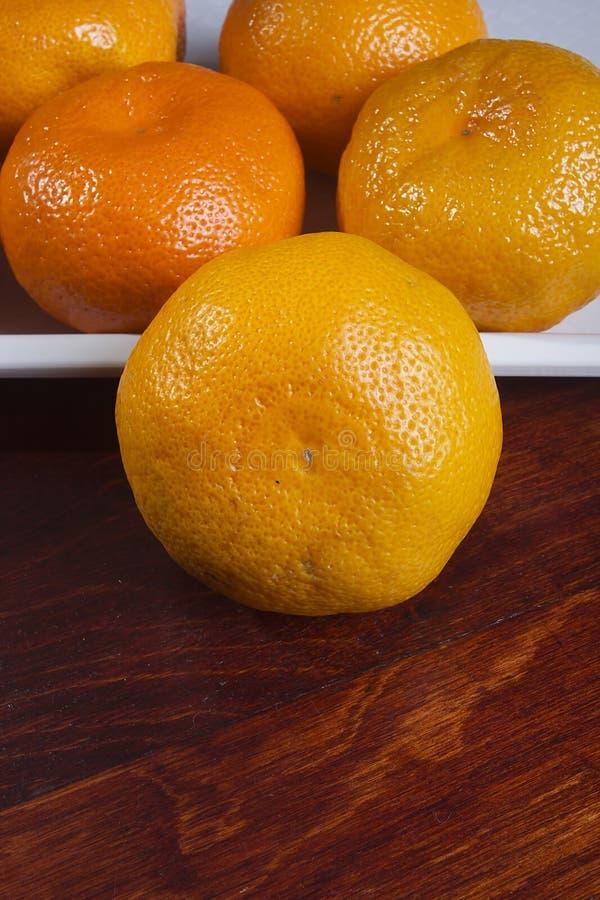 Tangeriny na tacy zdjęcie stock