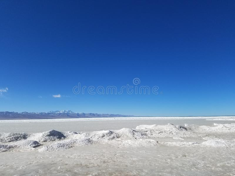 Tanggula山位于在中国的西藏自治区东北部和青海清宫之间的边界 免版税图库摄影