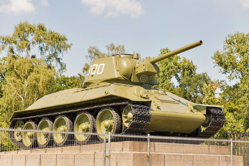 Tank t-34 bij Sovjetoorlog Herdenkingstiergarten in Berlijn, Duitsland royalty-vrije stock fotografie