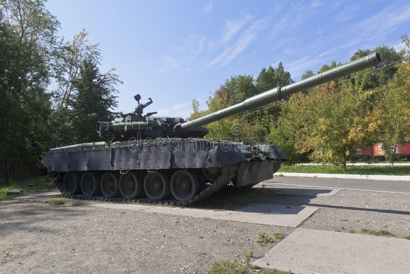 Tank T-80BV dans le Victory Park de la ville de Vologda photos libres de droits