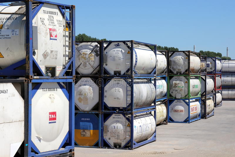 Tankcontainers stock afbeeldingen