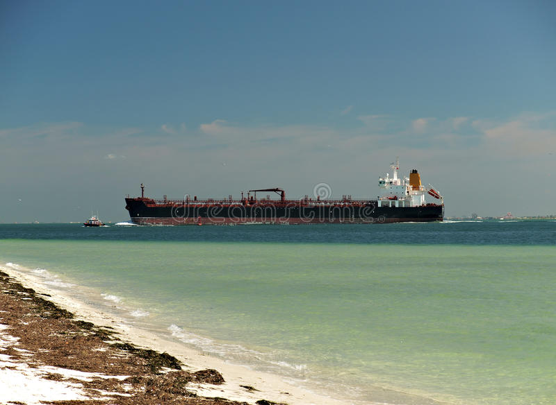 Download Tanker Royalty Free Stock Photo - Image: 16643965
