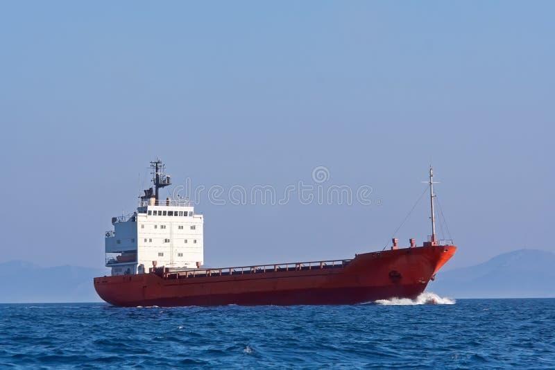 Tankersegeln im Meer stockbilder