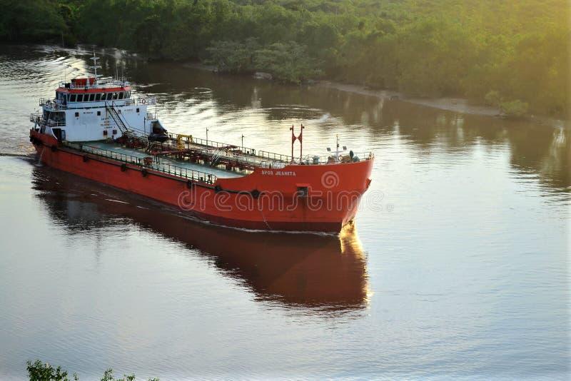 tankfartyg royaltyfri bild
