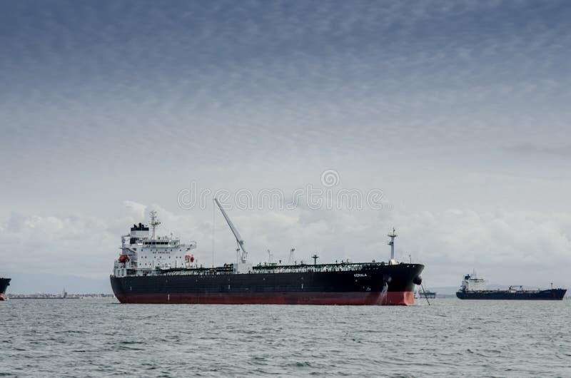 Tankowa statku ing Long Beach Siedzący schronienie obrazy stock