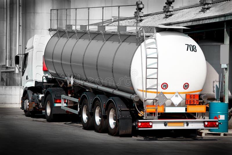 Tankowiec dla transportu rozpuszczalnik zdjęcia royalty free