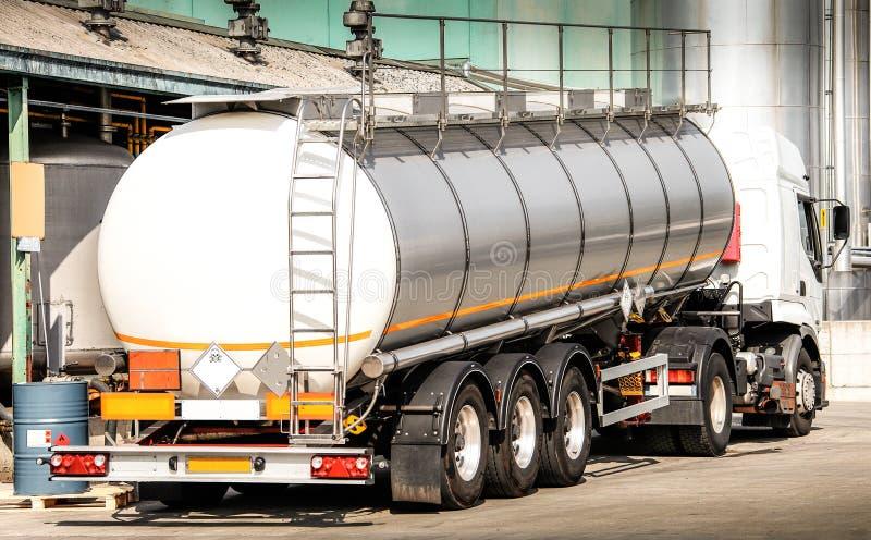 Tankowiec dla transportu rozpuszczalnik fotografia royalty free