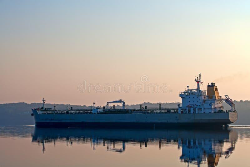 Tankowiec na Penobscot rzece w Maine obraz royalty free