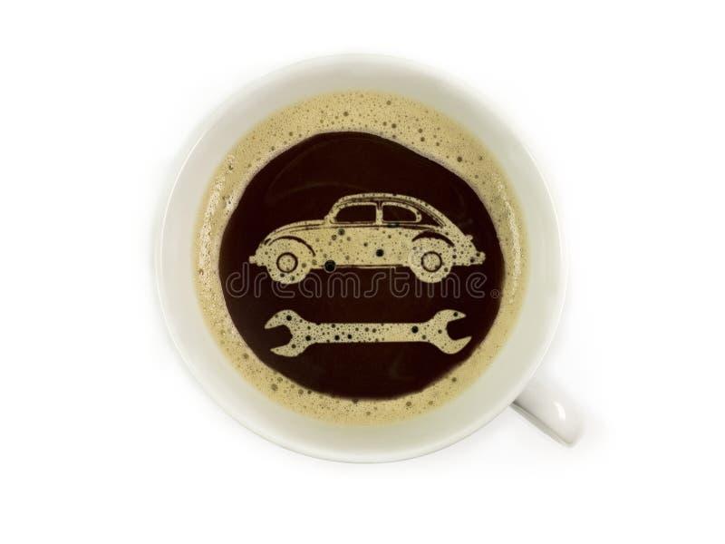 Tankstelle bietet Kaffee an stockbilder