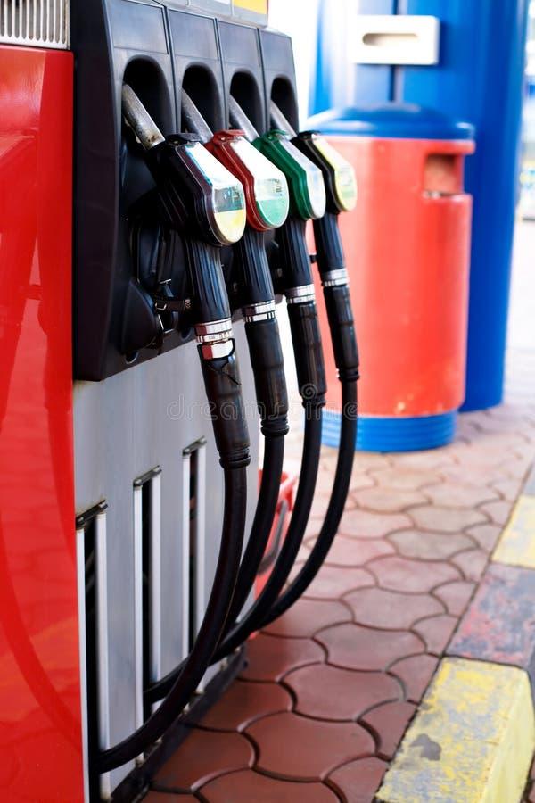Tankstellekonzept - Düsen lizenzfreie stockfotografie