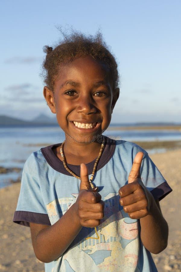 Tanna Republiken Vanuatu, Juli 17th, 2014, lycklig infödd gi royaltyfri foto
