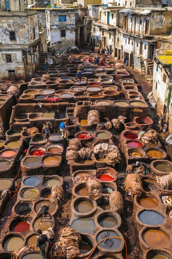 Tannery em Fez, Marrocos fotografia de stock