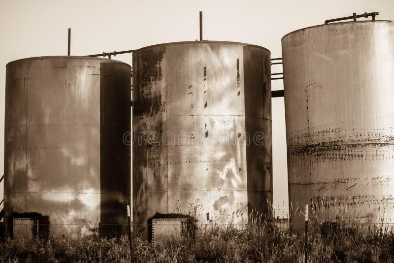 Tanque de óleo Texas ocidental do campo petrolífero fotografia de stock royalty free