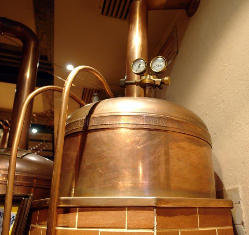 Tanque de cobre da cerveja. imagem de stock