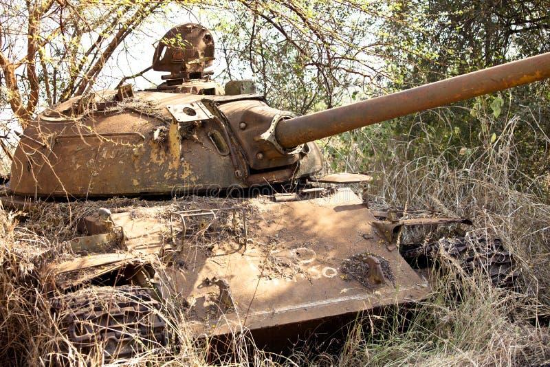 Tanque de Destoyed em Sudão sul foto de stock
