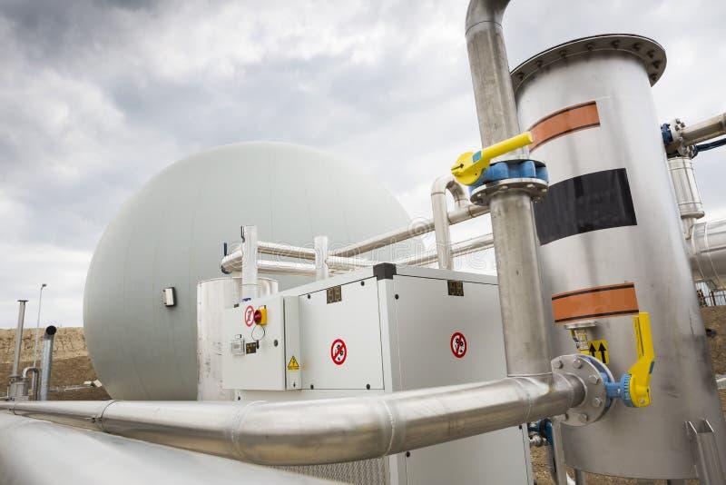 Tanque de gás da facilidade do tratamento de águas residuais fotografia de stock