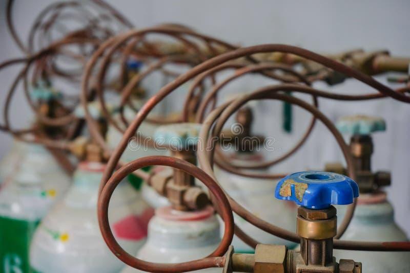Tanque de oxigênio no hospital imagem de stock royalty free