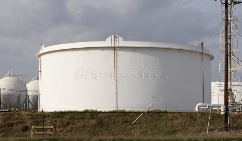 Tanque de petróleo fotografia de stock royalty free