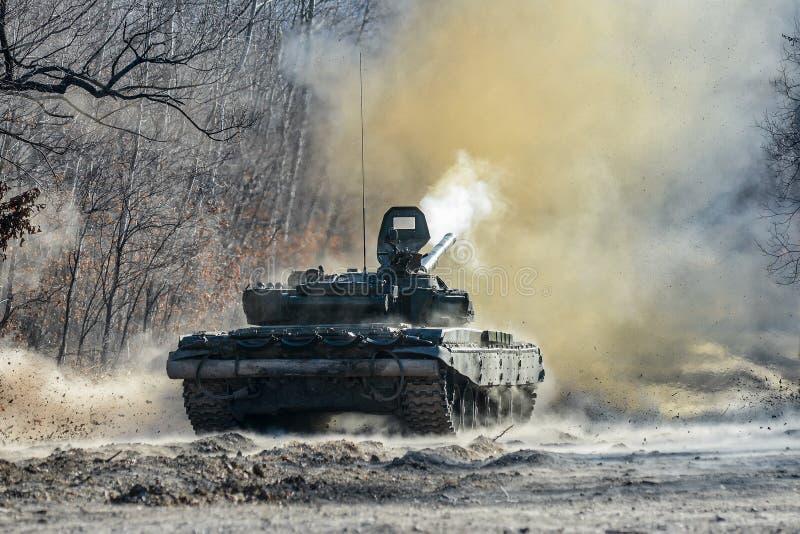 Tanque T-72 do russo imagem de stock