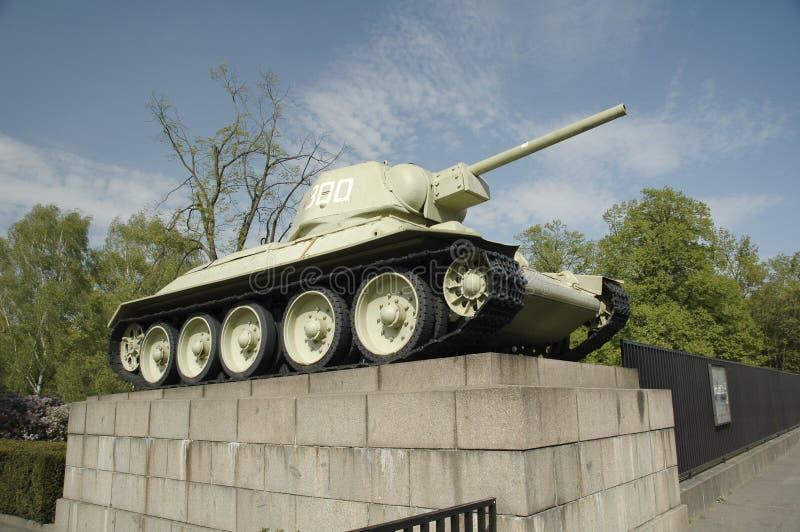 Tanque T34 em Berlim imagem de stock