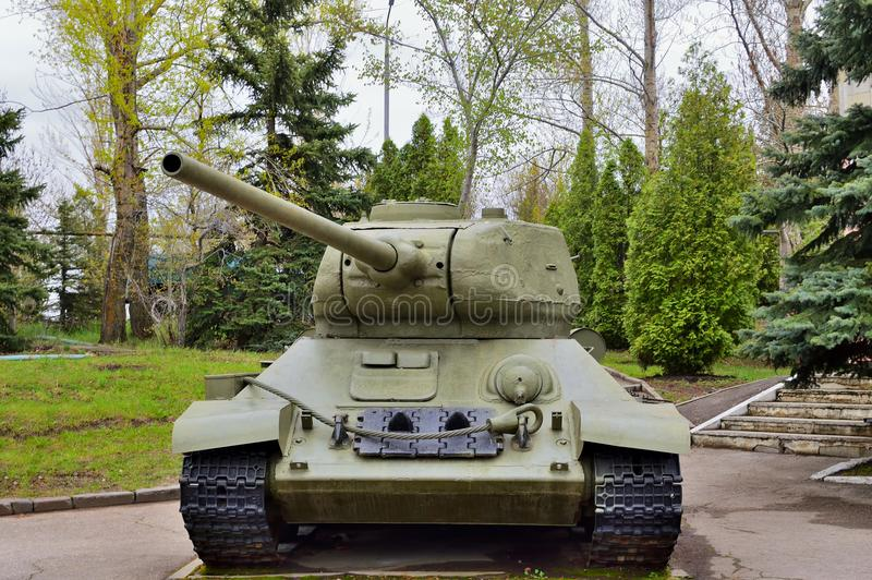 tanque T-34-85, que estava no serviço com o exército soviético durante a segunda guerra mundial fotografia de stock